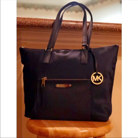 5b3abd8eed9f Michael Kors Bags | Special Deal Nwtmk Ariana Large Navy Nylontote ...